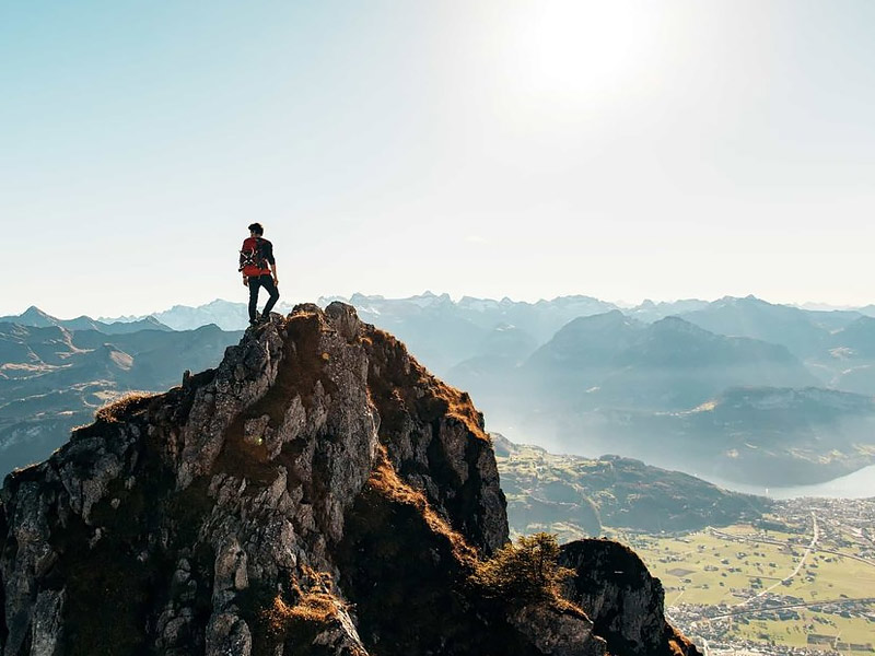 kausani trekking